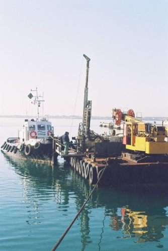 sonda su pontone - porto grande Siracusa (2).JPG